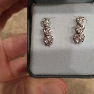 Diamond earrings, 14kt white gold hea…